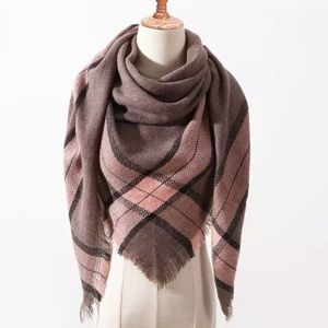 Accessories - NEW Fringe Blanket Scarf Shawl in Brown/Pink Plaid
